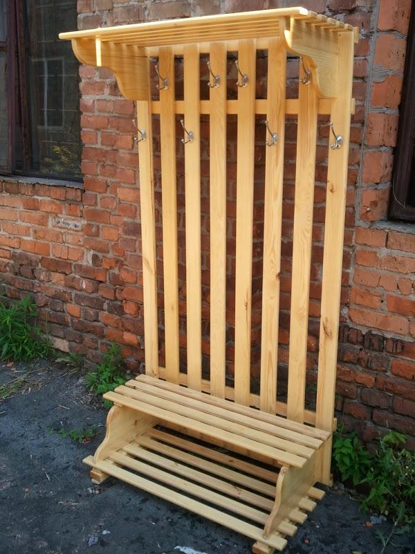 Вешалка деревянная в прихожую